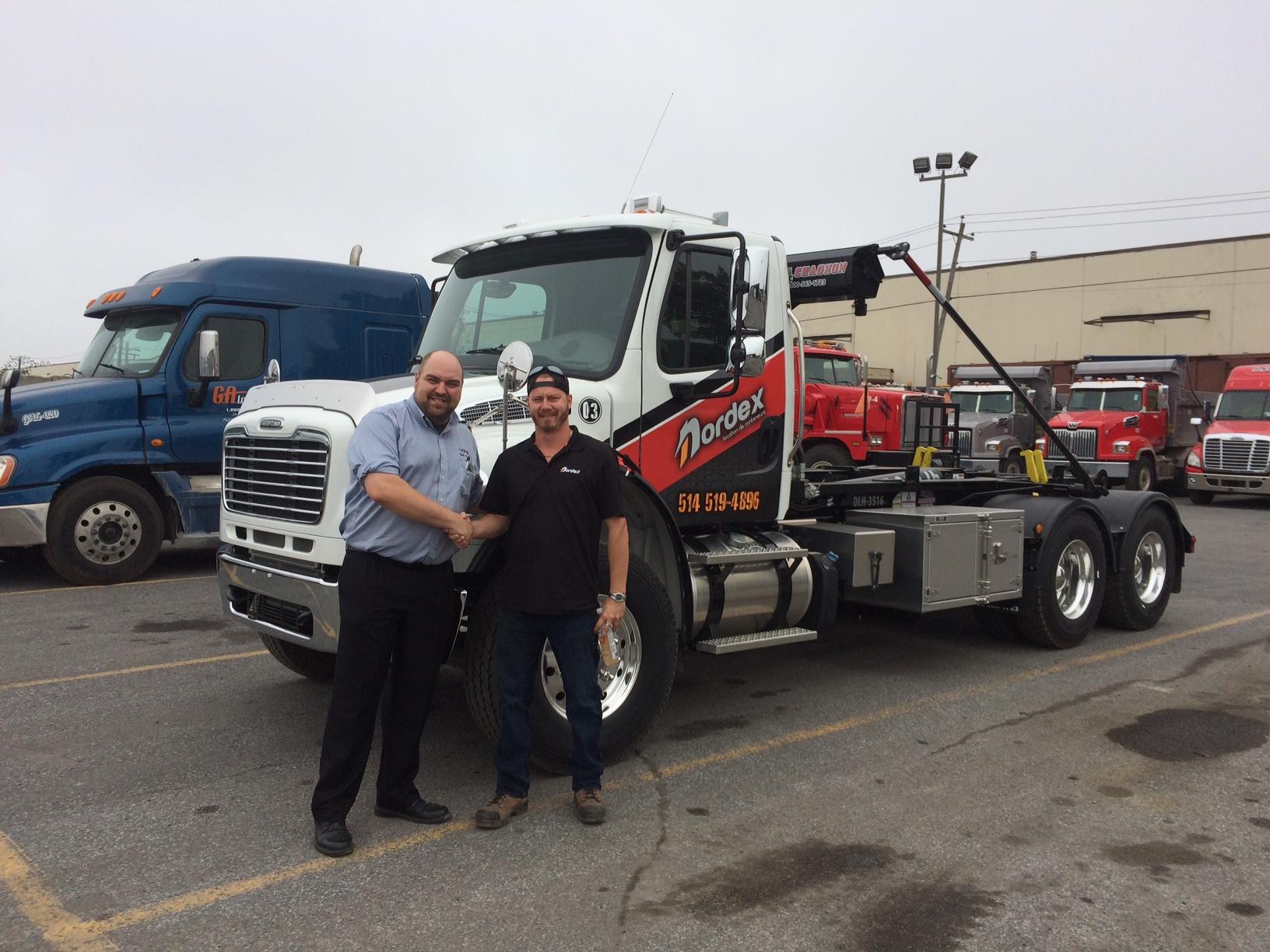 Nordex camion Freightliner M2